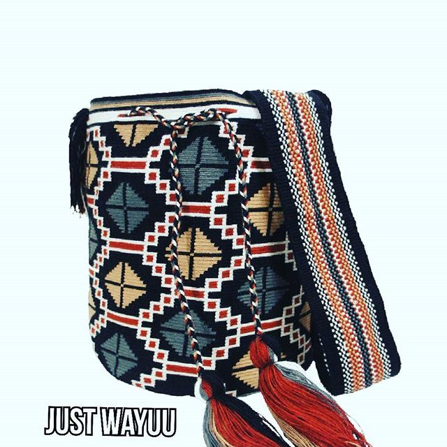 Handcrafted black bag made by indigenous wayuu in the north of Colombia. Worldwide shipping – envíos mundiales – PayPal WA +57 3188430452 #seoul #ootd #mochilas #wayuu #handmade #boho #hippie #bohemian #trendy #fashinista #australia #miami #españa #madrid #barcelona #paris #london #australia #italy #summer #Netherlands #shopping #handcrafted #fashion #style #france #newyotk #Japan #california #miami #dubai #newyork