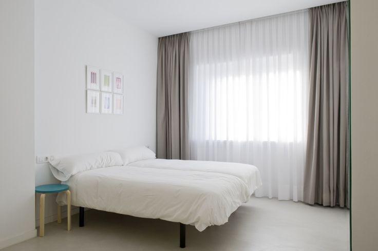 ANTES Y DESPUÉS - Decorabien.com #dormitorio #neutro #blanco