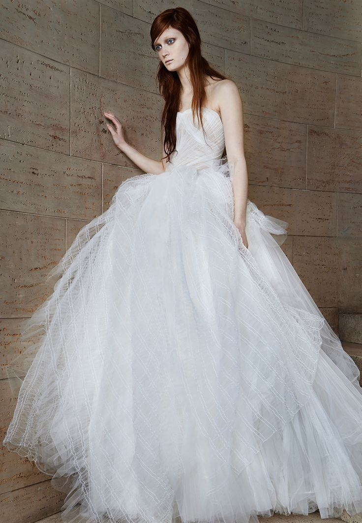 Vera Wang Bridal Collection Spring 2015, layers and layers tulle, chantilly lace, strapless dress, bridal fashion, wedding gowns, nude underlays http://loveluxelife.com/vera-wang-bridal-spring-2015/