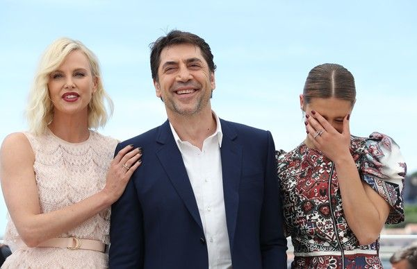 "Charlize Theron Photos Photos - (FromL) South African-US actress Charlize Theron, Spanish actor Javier Bardem and French actress Adele Exarchopoulos pose on May 20, 2016 during a photocall for the film ""The Last Face"" at the 69th Cannes Film Festival in Cannes, southern France.  / AFP / Valery HACHE - 'The Last Face' Photocall - The 69th Annual Cannes Film Festival"