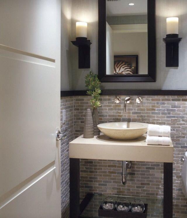 Pi di 25 fantastiche idee su arredamento bagno di - Bagno di servizio ...