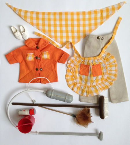SINDY-1968-HOUSEWORK-COMPLETE-OUTFIT-12S25-EXCELLENT-VINTAGE-PEDIGREE-no-doll