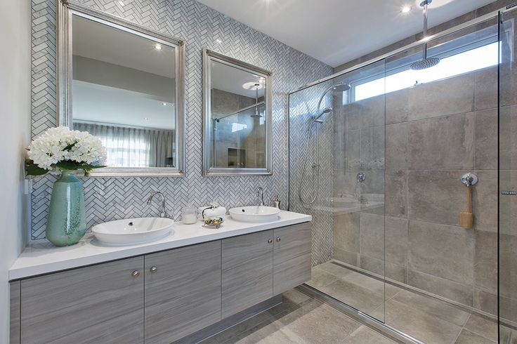 Master ensuite in the Vancouver 33 display with a Classic Hamptons World of Style