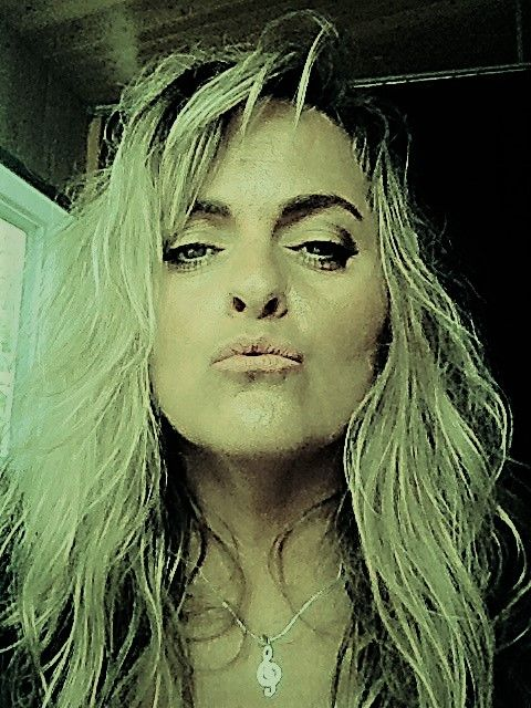 Claudia Asselin #chaine #clédesol #blonde #countrymusic #claudia #iphone #live #baiser #rose
