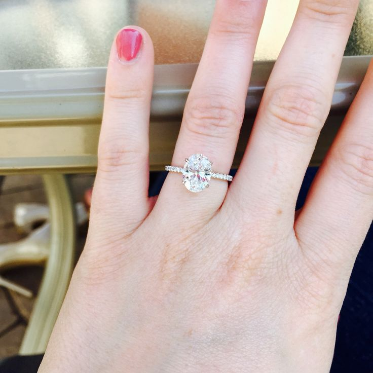 Best 20+ Oval Solitaire Engagement Ring Ideas On Pinterest