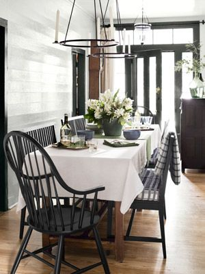.: Dining Rooms, Dining Area, Decor Ideas, Black And White, Country Living, Dining Spaces, Small Home, Black Trim, Windsor Chairs