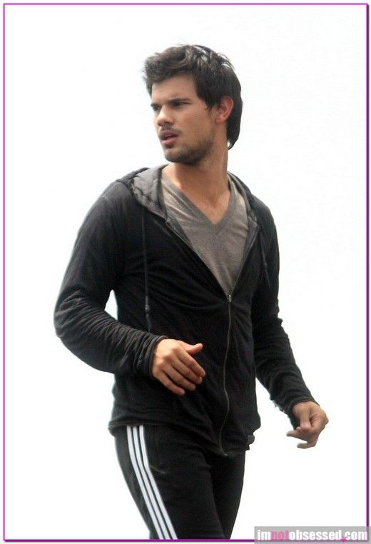 Taylor Lautner on the 'Tracers' film set