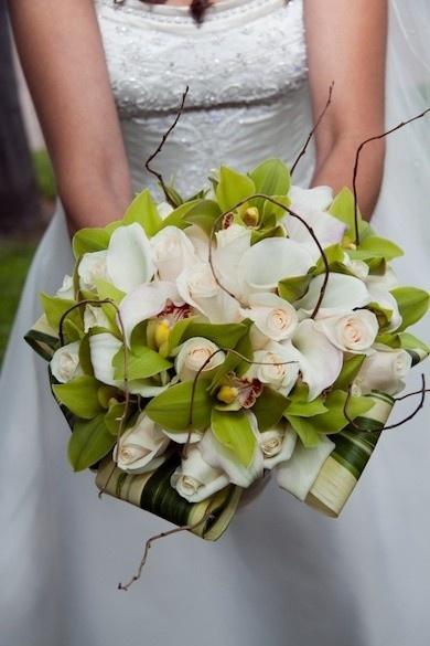 bruidsboeket-groene-witte-orchideen.jpg (390×585)