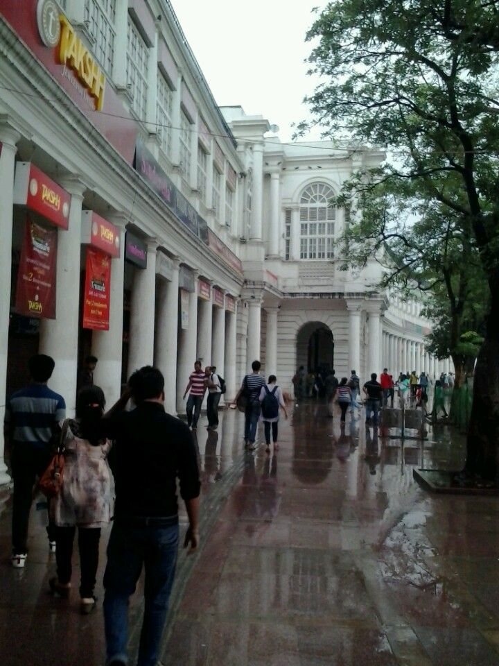 Connaught Place - Stayed 10 minutes (walking) from Here!