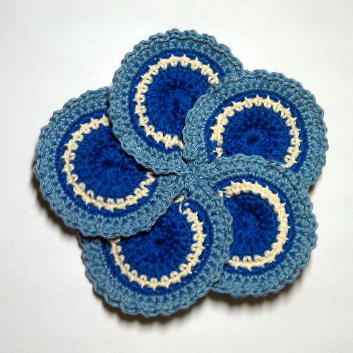 Make a Crocheted Flower of Five Petals www.guidecentr.al/Make-a-Crocheted-Flower-of-Five-Petals/6XAn6zNifN