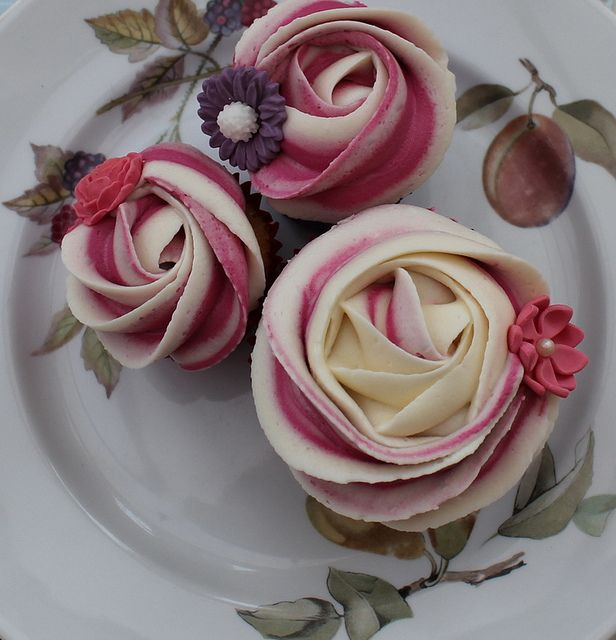 Piped rose cupcake by Victorious Cupcakes, via Flickr