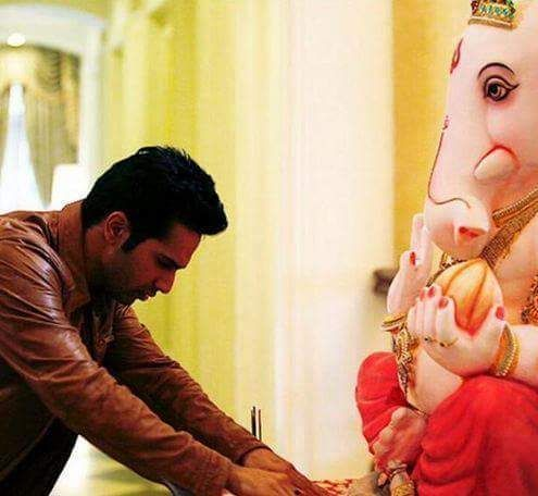 Lord Ganpati: Ganesh Utsav by Bollywood Celebrities 2015 | Ganesh Names, Ganesh Mantra, Ganesh Wallpapers, Ganesh Images, Ganesh Photos, Ganesh Bhajans, Ganesh Temples, Ganesh Aarti