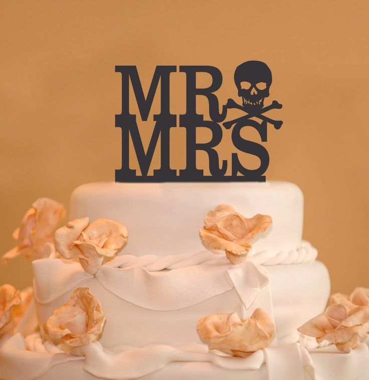 Mr. and Mrs. Wedding Cake Toppers - Skull and Bones Wedding Cake Topper - Goth…