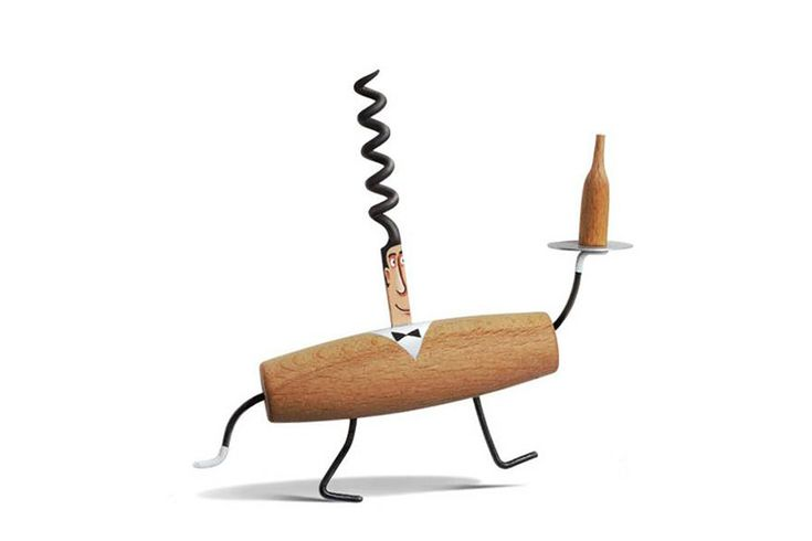French artist Gilbert Legrand turns everyday objects into cute, humorous characters. Through his creative use of each tool's natural shape and his talented painting, the pieces take on lifelike qualities and make you almost forget their original purpose.