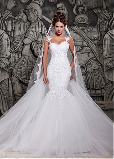 This is the dress of my dreams! Lots of tulle and bodycon <3