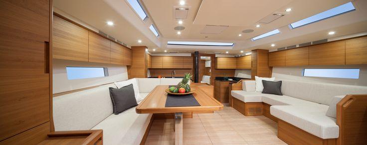 #Solaris 58 - teak interior
