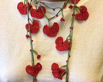 Collier fleur rouge, cadeau de Saint Valentin, collier au Crochet, cadeau fait main, unique, mode bijoux, collier, cadeau fête femme,