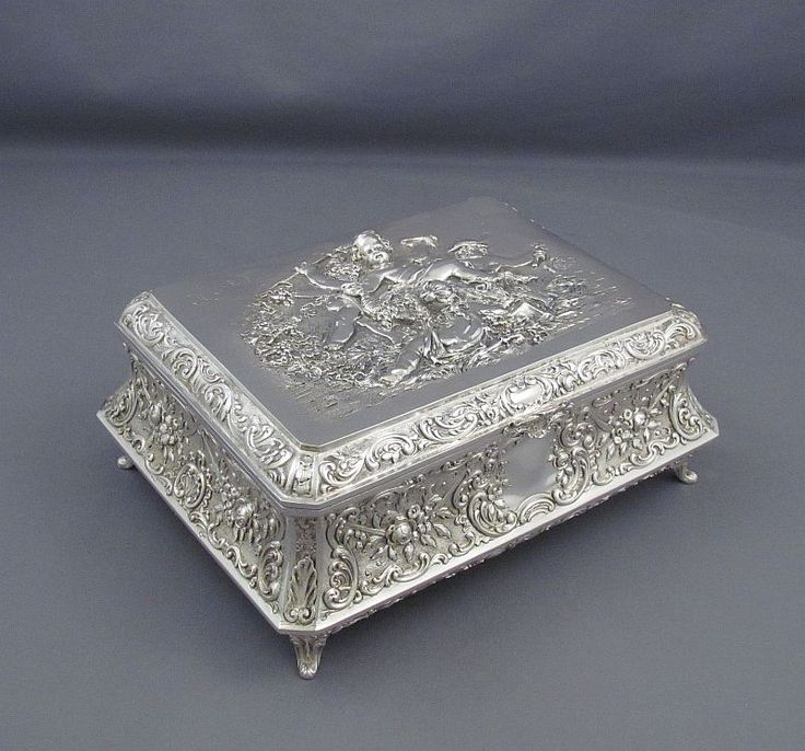 A large fine quality German .800 silver casket or jewellery box by George Roth & Co, Hanau c. 1890. The lid embossed in high...
