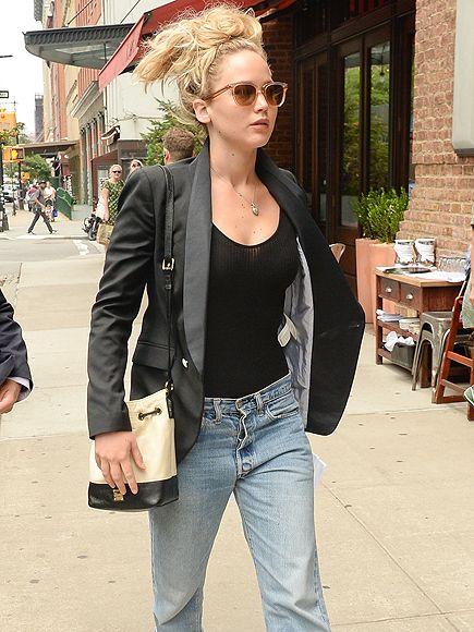 Star Tracks: Tuesday, July 7, 2015 | DENIM DOLL | Even with a laid-back ensemble that includes boyfriend jeans and a black blazer, Jennifer Lawrence stays radiant while on a stroll through N.Y.C. on Monday.