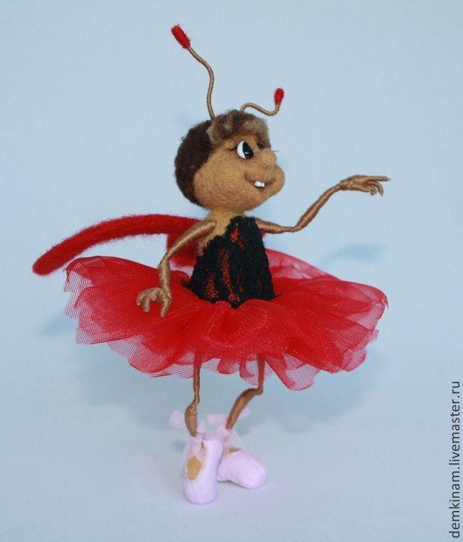 """Купить Валяная миниатюра """"Балерина"""" - ярко-красный, божья коровка, валяная миниатюра, игрушка из шерсти"""