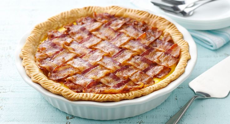 5-Ingredient Bacon Lattice Breakfast Pie recipe - Strips of bacon are woven together in a lattice design and placed on top, creating a delightful dish for bacon lovers. The quiche itself is incredibly simple. Just 5 basic ingredients yield a creamy, delicious pie, perfect for breakfast or brunch.