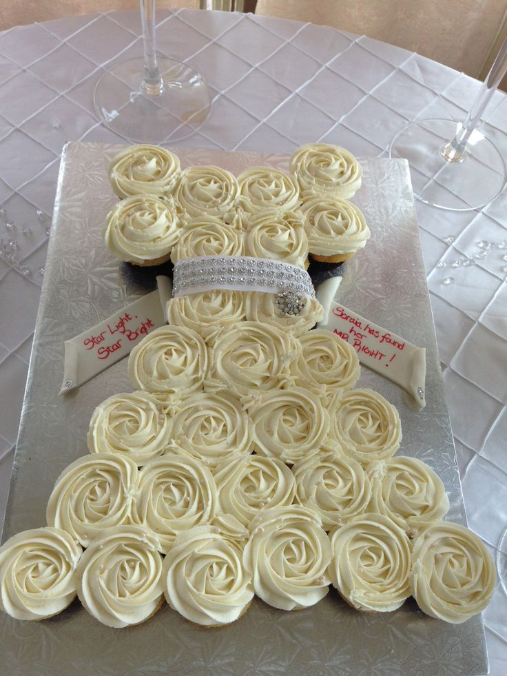Bridal shower cupcake cake created by Sugary Swirls @sugaryswirlsco