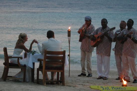 Muziek & Entertainment | Mogelijkheden Bruiloft Curacao | BanKasa