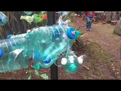 ▶ Recycled Plastic Water Bottle Sculptures - fish!