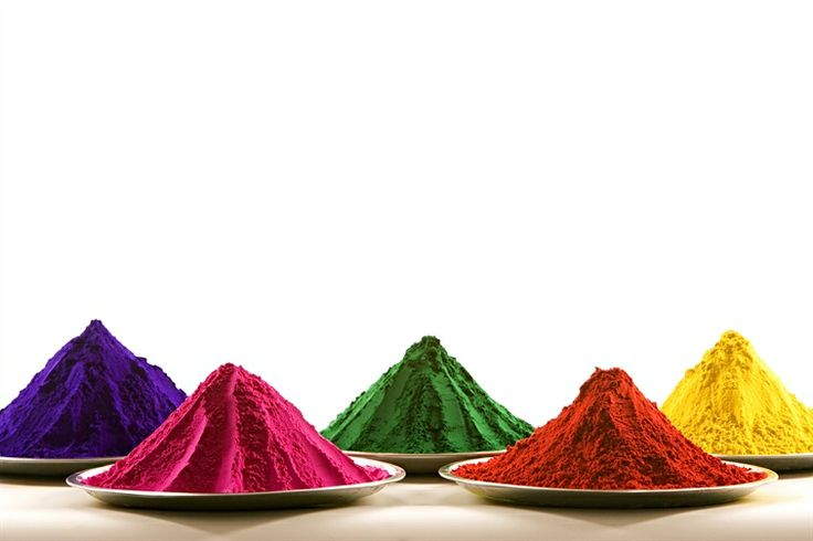 Did you know that the playful throwing of natural coloured powders during Holi has a medicinal significance? The colours are traditionally made of Neem, Kumkum, Haldi and Bilva.