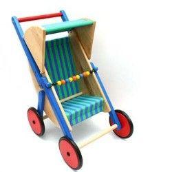 Jest gorąco, będzie jeszcze bardziej:)  Już u nas Drewniany Wózek Spacerówka dla Lalek - Bajo 74210 - Lalka w nim siedzi przodem do kierunku jazdy.   Wózek może również pełnić funkcję pchacza dla młodszych dziewczynek od 1 roku.  Jaka jest maksymalna długość lalki jaką pomieści wózek? Sprawdźcie sami:)  Miłego weekendu:) Będzie gorąco!  #bajo #wozekdlalalki #spacerowka #niczchin #sklep #krakow
