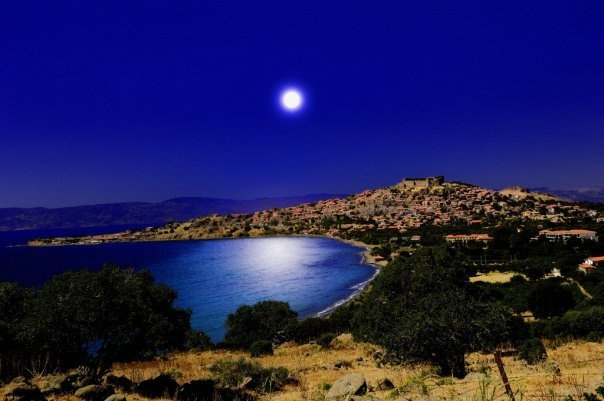 GREECE CHANNEL | Molivos moon