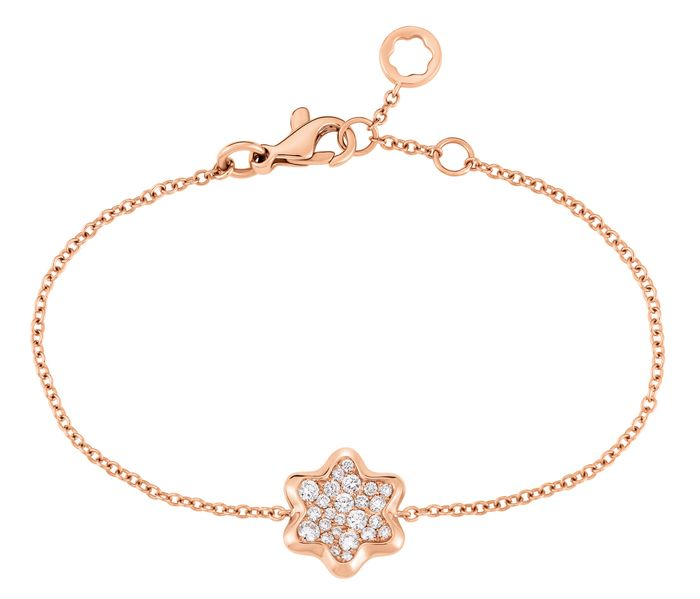 Montblanc 4810 Star Pavé bracelet is a precious and classic tribute to the shape of the brand's unique emblem - representing the peak of beauty, artistry and femininity.