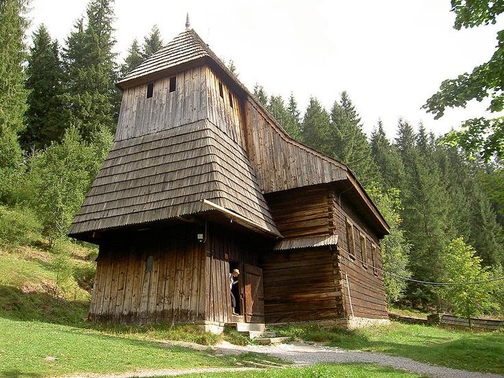 Múzeum oravskej dediny Zuberec - Brestová, kostol sv. Alžbety zo Zábreže z 15. storočia