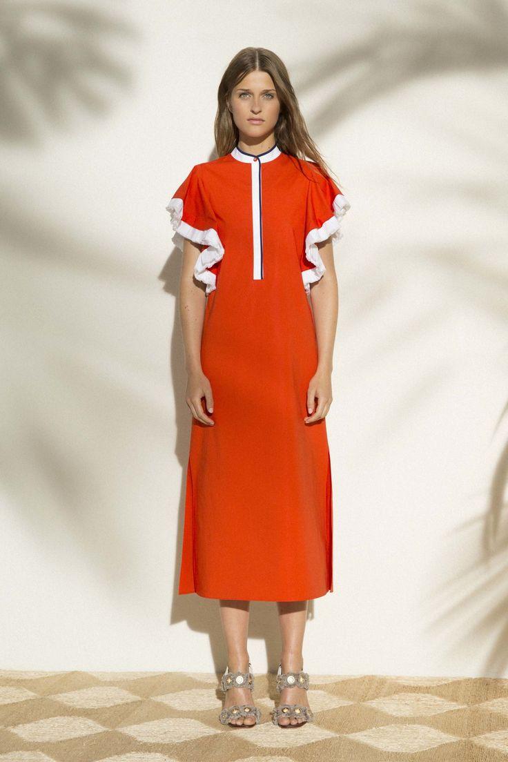 Tory Burch Resort 2017 Fashion Show http://www.vogue.com/fashion-shows/resort-2017/tory-burch/slideshow/collection#15