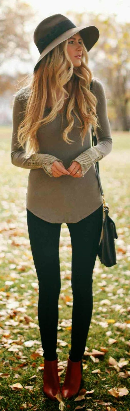 Gorg fall street fashion style in brown and black. Can I have the legs too : )