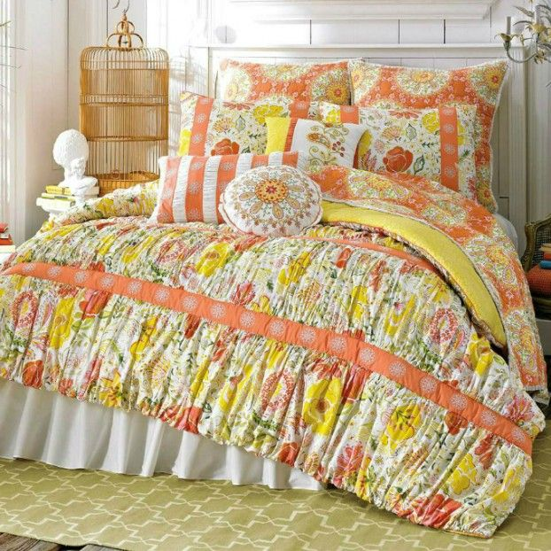 17 best images about cool ideas bedroom on pinterest for Comforter storage ideas