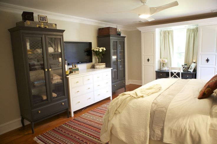 #WatchandPin  #DearGenevieve  View of white dresser encased between chocolate armoires adjacent to built-in wardrobe.  (Air Date:  Sept 21 5:30pm)Armoires Adjacent, Dressers Encasement, Chocolates Armoires, Gold Hardware, Gold Knobs, Master Bedrooms, Bedrooms Ideas, Built In Wardrobes, Bedroom Ideas