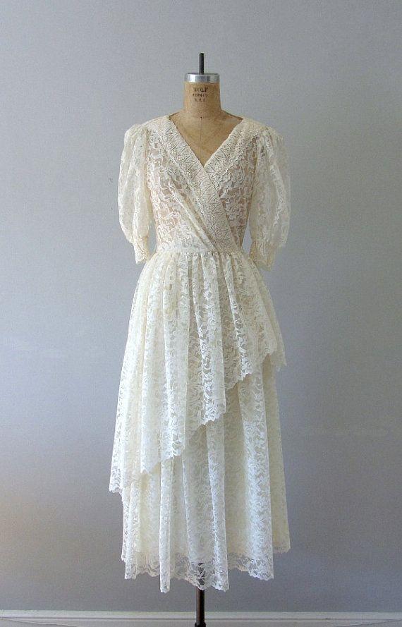 Cream lace wedding dress 70s 80s vintage wedding fashion for 70s style wedding dress