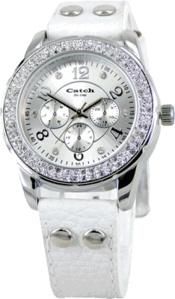 Horloge Catch 9180 strass  Sportief Catch dameshorloge met wit lederen band en zilverkleurige wijzerplaat. Met mineraal glas, chronolook, quartz uurwerk, strass steentjes en een stalen kast van 36mm, nikkelvrij. € 35,95-