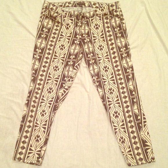 Aztec Print Pant Aztec print skinny jean. Forever 21 Pants Skinny