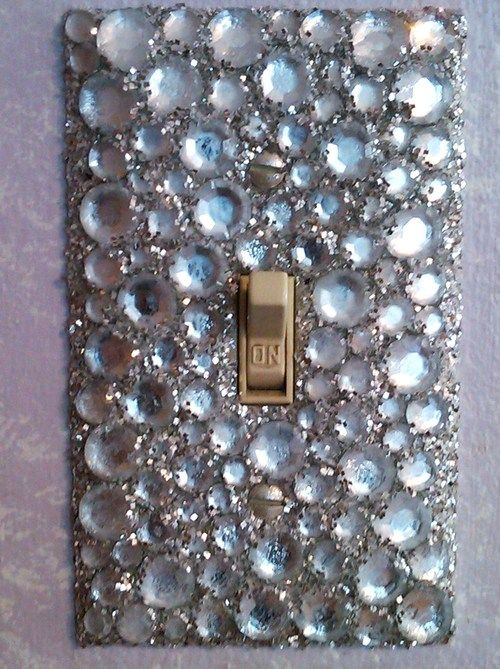**Oh yes, sparkle light switch plate! (I have a silver one) This one is better ;)