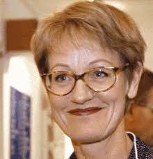 Gudrun Schyman med ungefär världens finaste glasögon + frisyr.