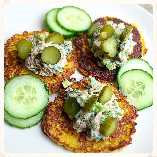 Playing with lunch today - made some cauliflower and egg pancakes (with a little tapioca and spices) and topped with smoked mackerel mixed with mayo, dill, spring onion and gherkins. Super fun and tasty! ❤️