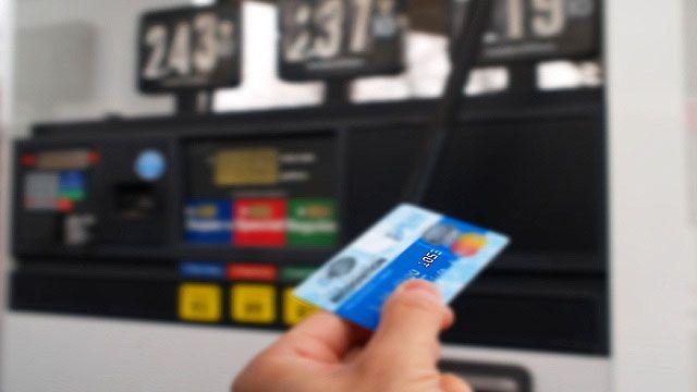 Top Rewards Credit Cards To Combat Rising Gas Prices- lifehacker