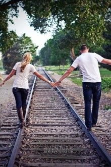 Love railroad pics