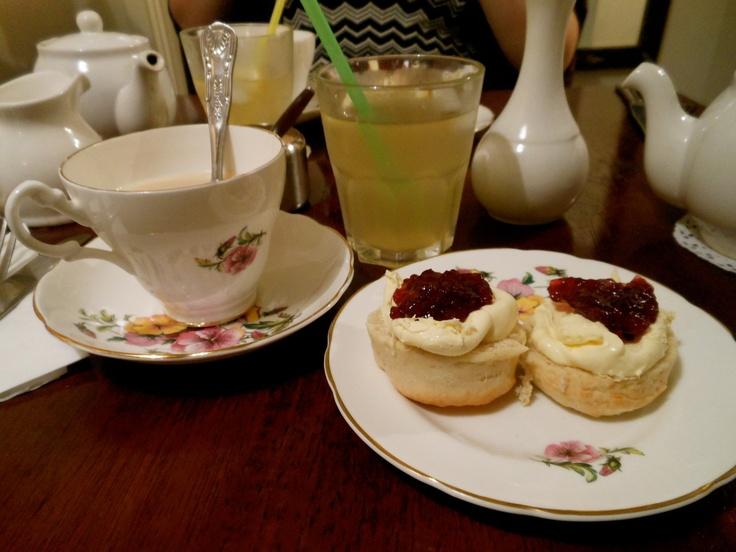 #NYU #London | Afternoon tea at Tea and Tattle  Not gonna lie, totes felt like Kate Middleton