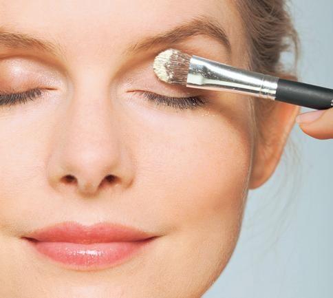 Die besten 10 ideen zu schlupflider schminken auf - Schminktipps schlupflider ...