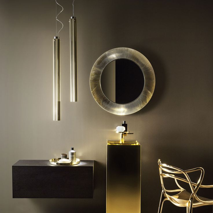 Copper is very on trend this Spring, why not add a pop of metallic to your #bathroom!