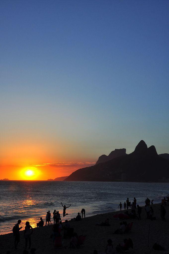 Ipanema - Foto: Alexandre Macieira | Riotur | by RIOTUR | ASCOM Sunset at Ipanema , Rio de Janeiro , Brazil .