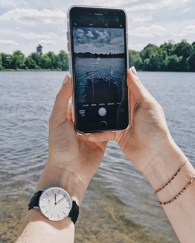 Sundays spent snapping are my favourite way to spend the weekend. - This photo was taken a few weeks ago when we went on a lovely long walk around Virginia Water. I absolutely adore it there, it's just so beautiful! - Do you have a spot local to you where you like to just sit and let time pass you by? - Featured here is my @danielwellington watch {I'm wearing the Sheffield in Silver 36mm}. You can get your very own with a 15% discount. Use the code socialmouthsam by 30th June…